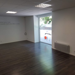 A LOUER - Local commercial 140 m²