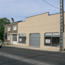 A LOUER - Local commercial / artisanal 530 m² - CIVRAY4