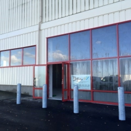 A LOUER - Local commercial 400 m² - PARTHENAY