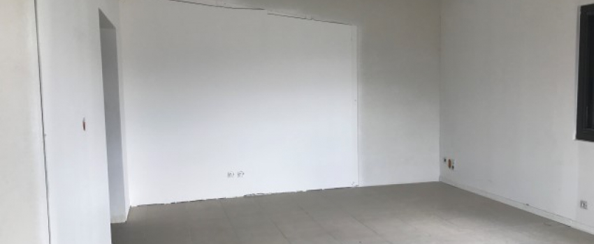 A LOUER - Local commercial 146 m² - Zone Mendes France - NIORT 2